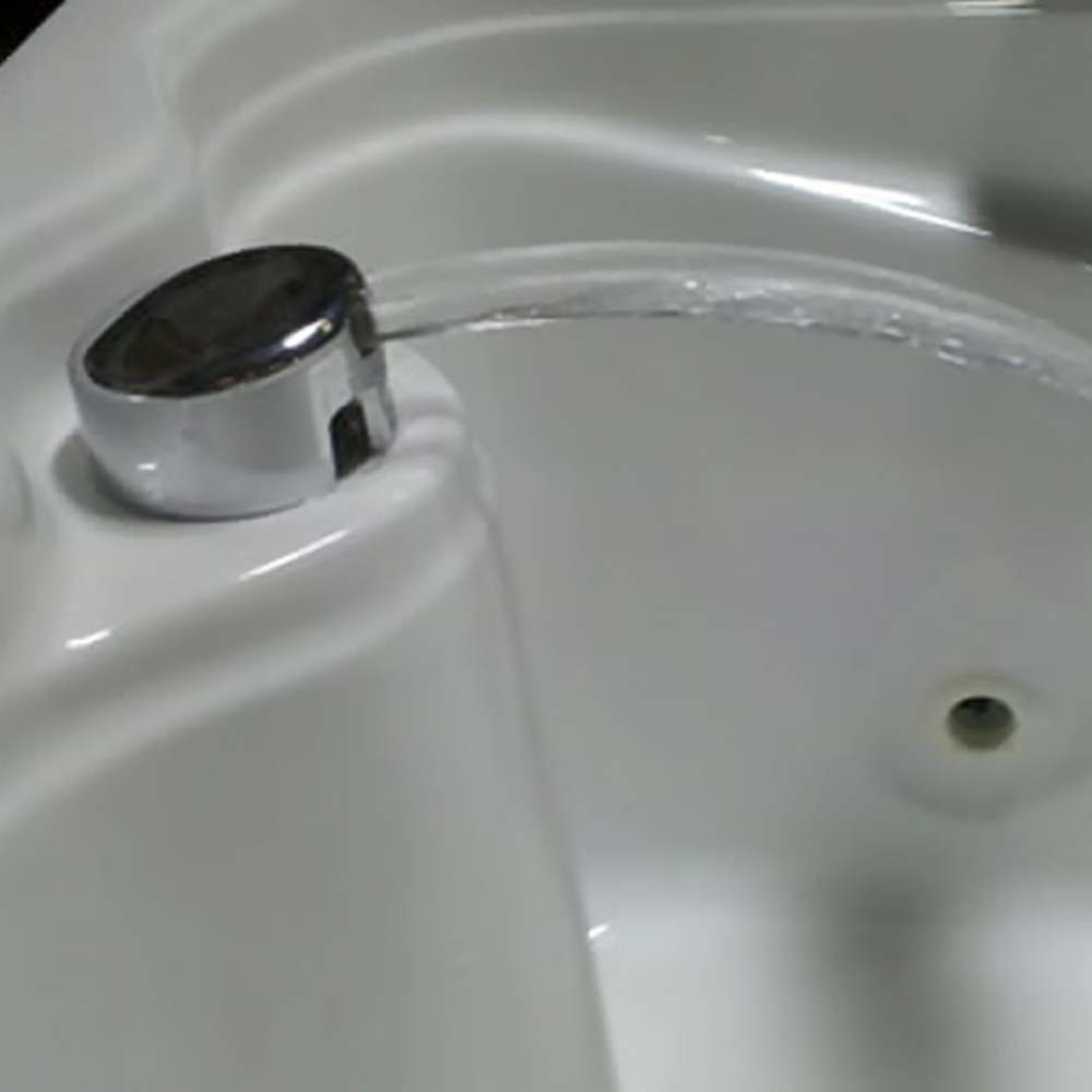 Cascading Fill And Drain Faucet Watertech Whirlpools And